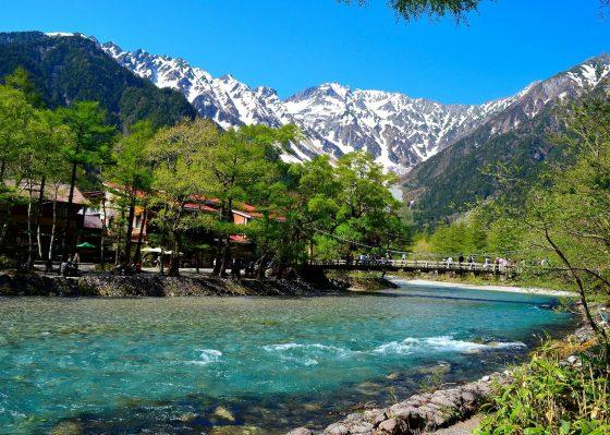 ゆったり出発<br>名湯白骨温泉「湯元齋藤旅館」宿泊と新緑の上高地散策